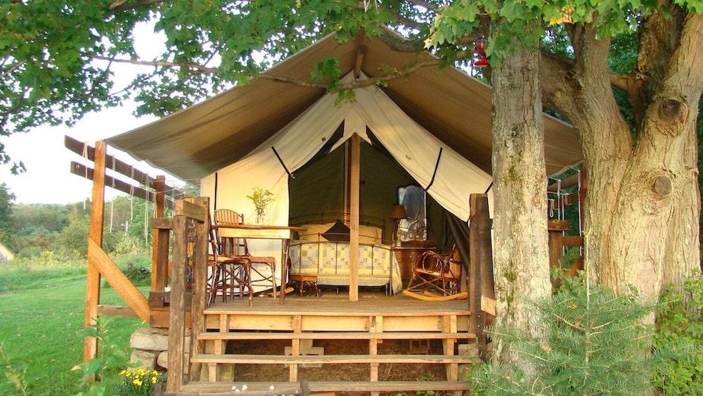 Pennsylvania glamping luxury tent farm stay