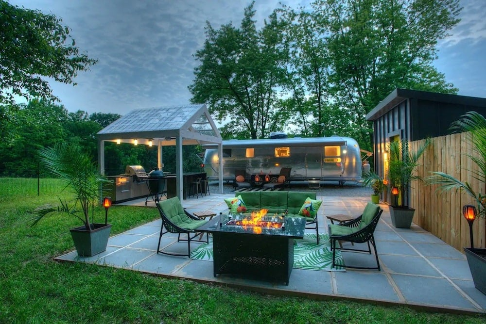 the glamour pennsylvania glamping