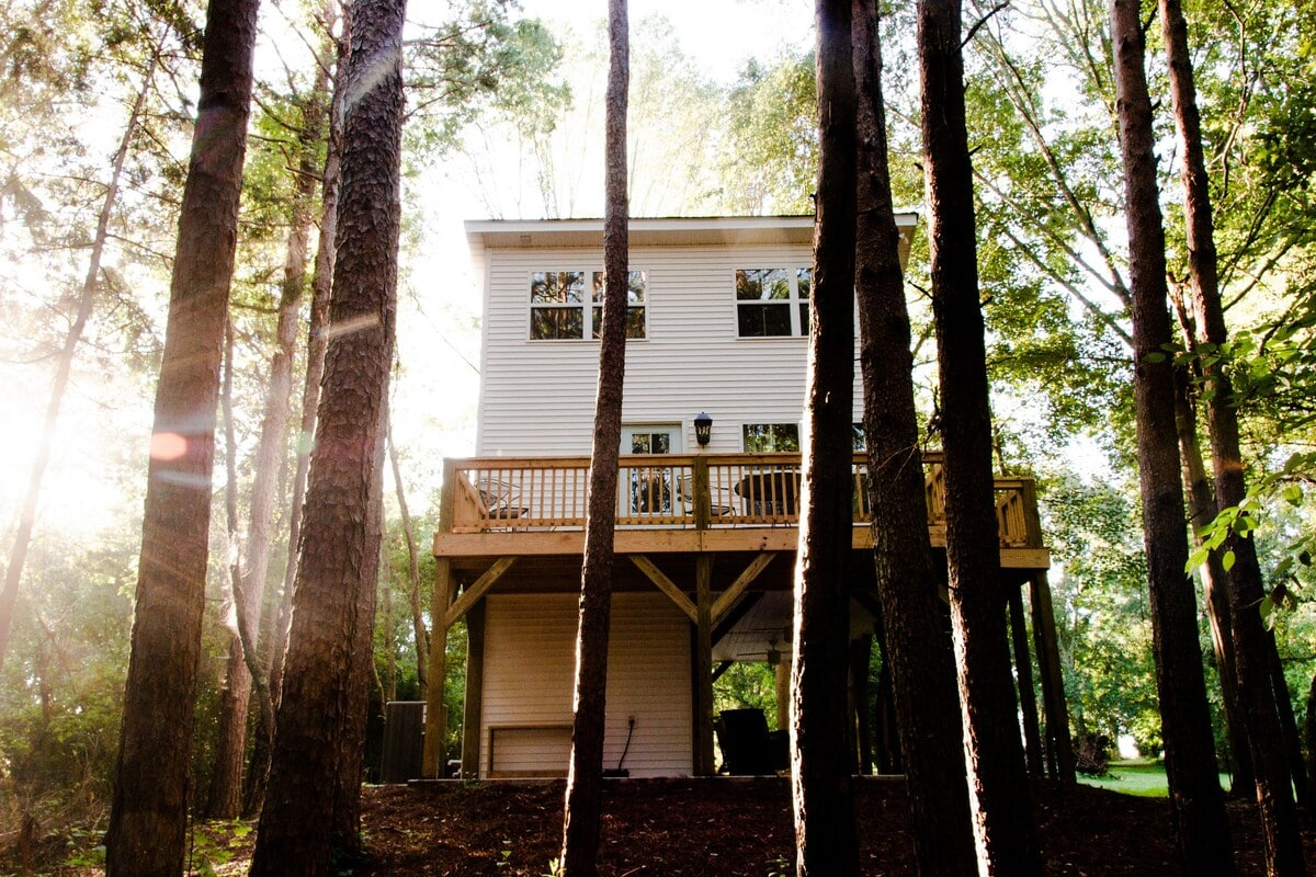 tiny tree house glamping