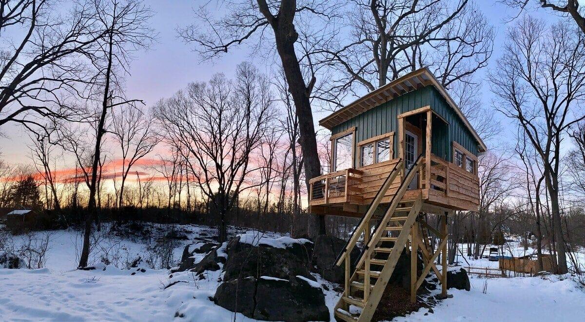 Cozy West Virginia Treehouse