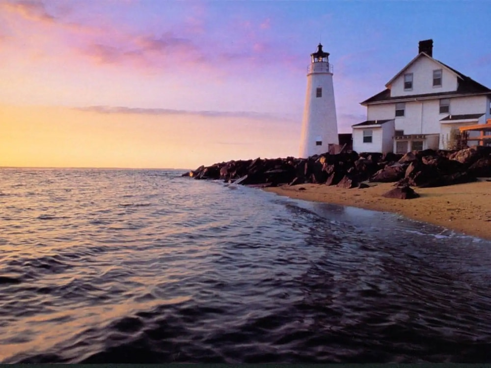 cove point lighthouse airbnb