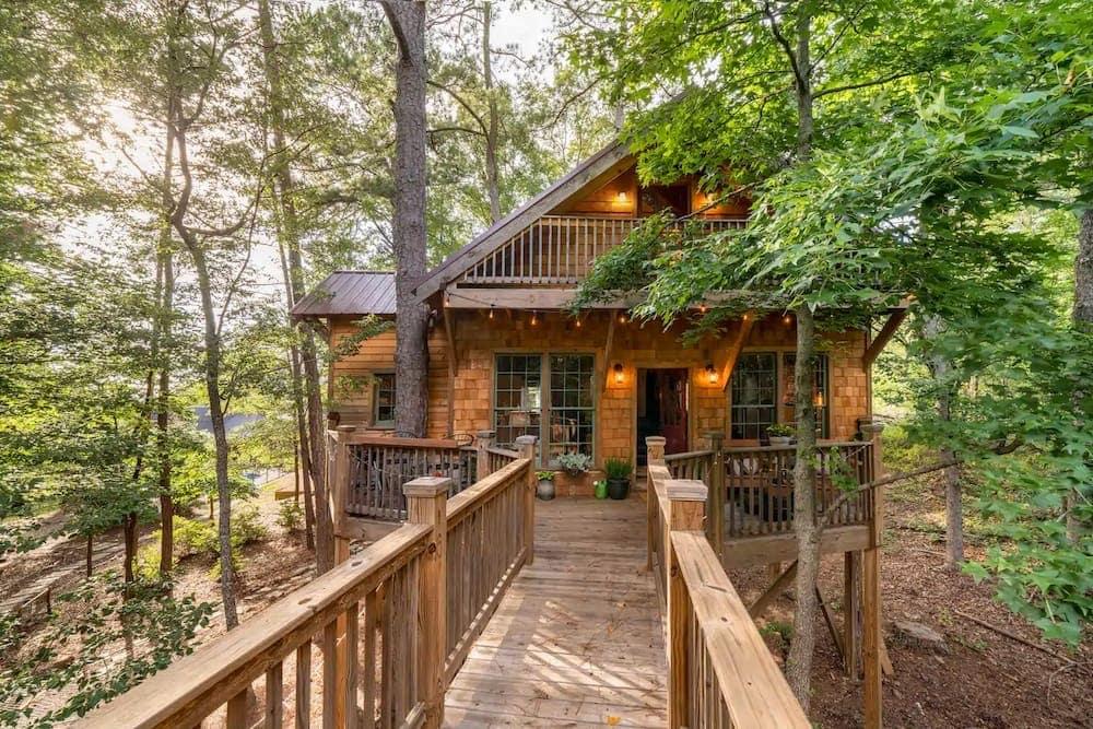 trinity treehouse airbnb