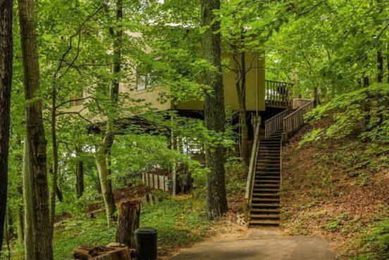 best treehouse rentals in michigan