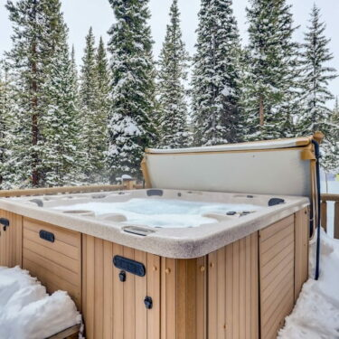 Tranquil Cabins in Colorado with Hot Tubs