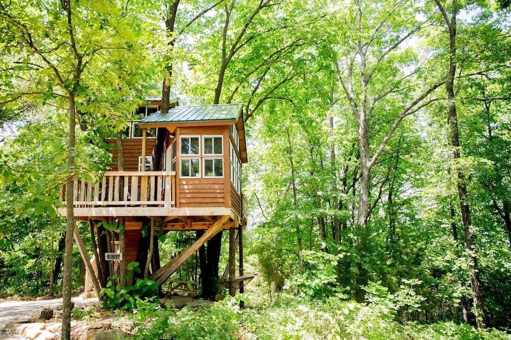 Sunset Tree House at The Cottage Missouri