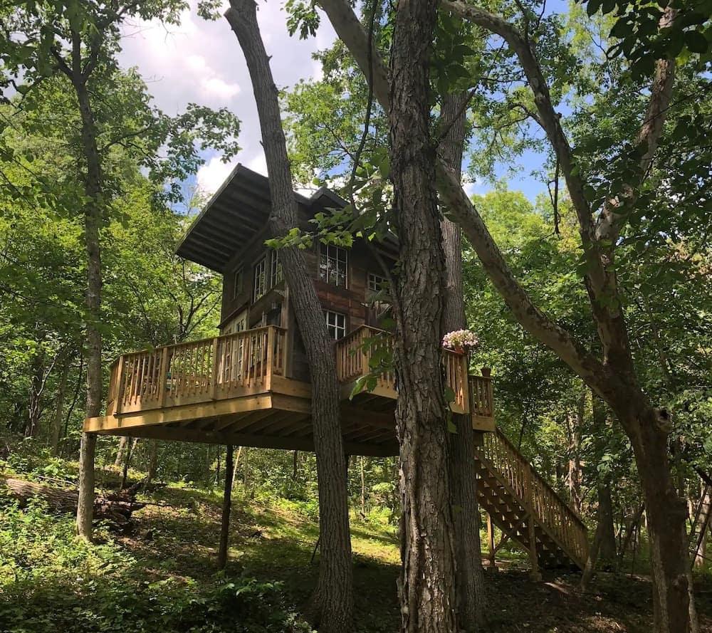 Sundance KC Tree House Missouri