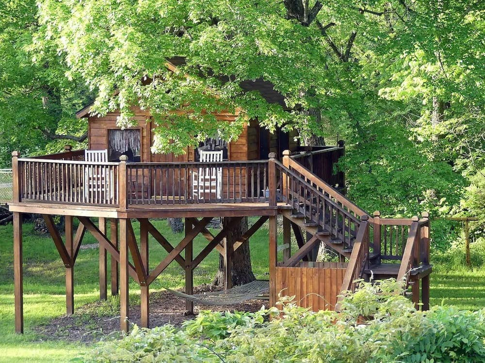 Almost Heaven Treehouse Missouri