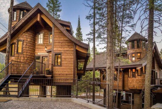 Gorgeous Treehouse Rentals in Montana