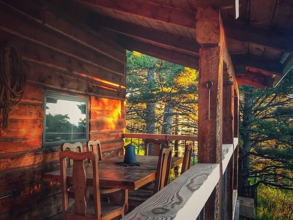 Cliff's Cabin montana