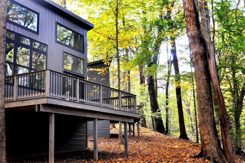 the moon Ohio cabin