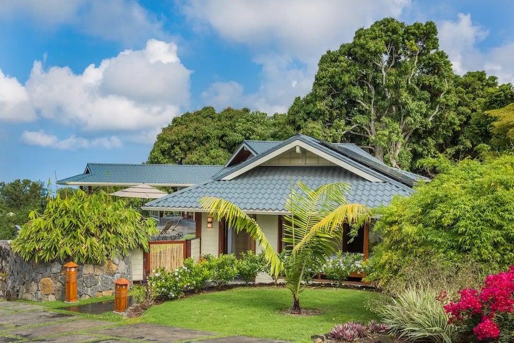 huna farms airbnbs with pool
