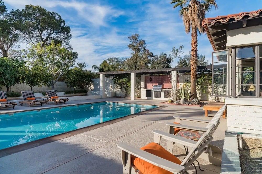 vista del monte airbnb with pool