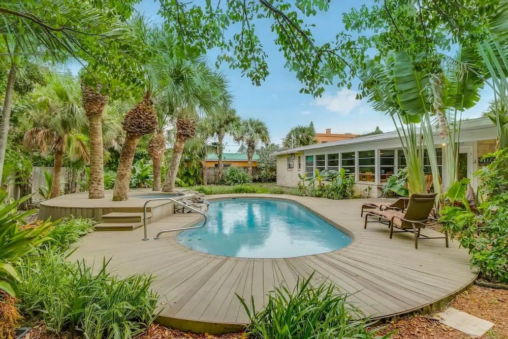 florida beach house airbnbs with pool