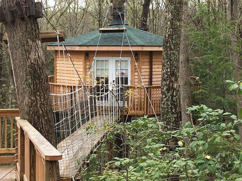 romantic wv treehouse