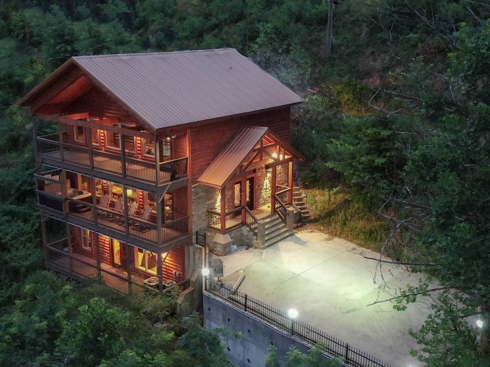 all new cabin in the city Tennessee