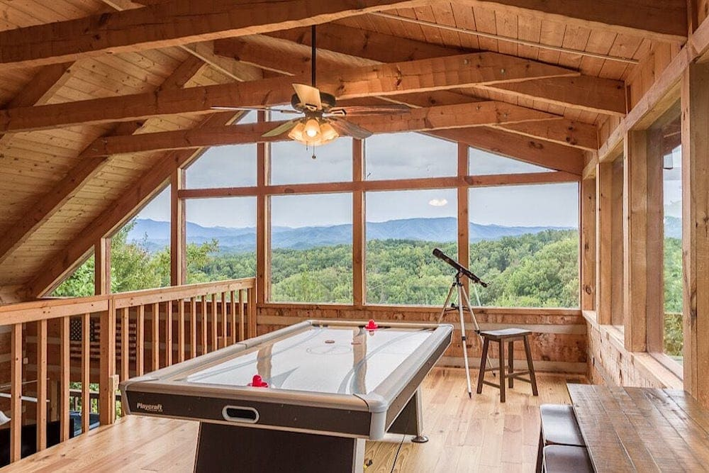 big bear point private cabin Tennessee