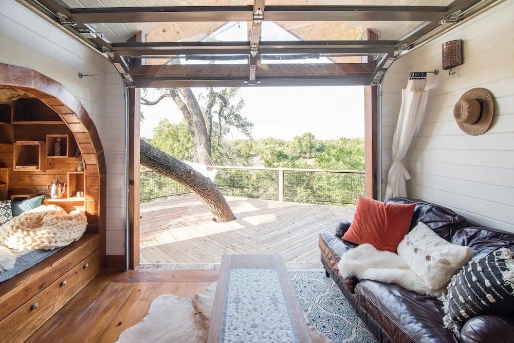 Live Oak Treehouse at HoneyTree Farm texas