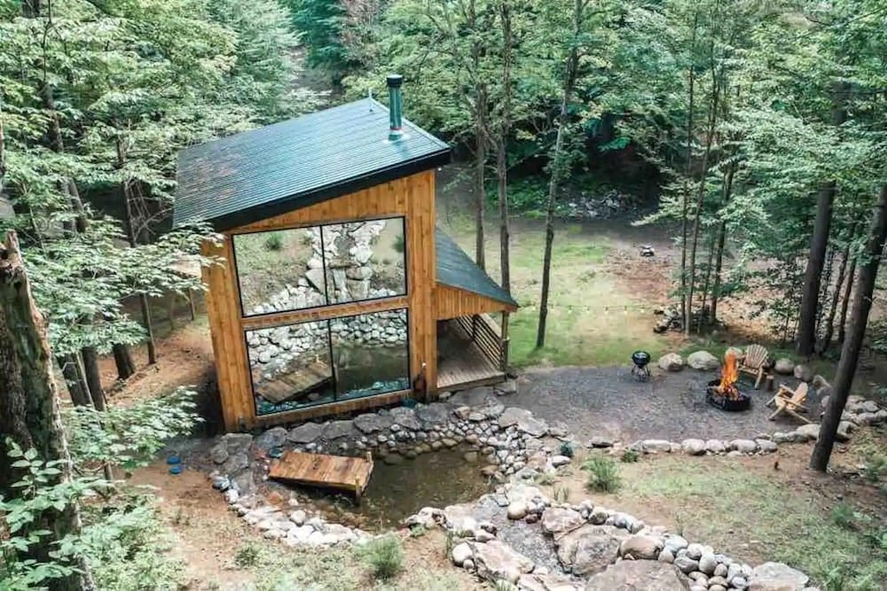 Ultra Luxury Treehouse adirondacks