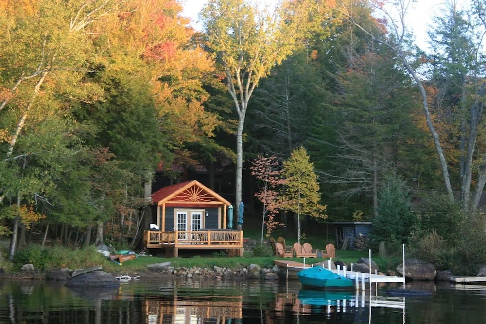Waterfront Artisan Cottage adirondacks