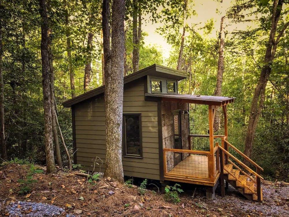 Phoebe's Nest Tiny Cabin 1