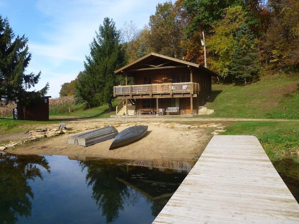 Cabin on the Lake Illinois