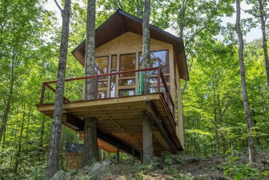 Magical Treehouse Rentals in New Hampshire