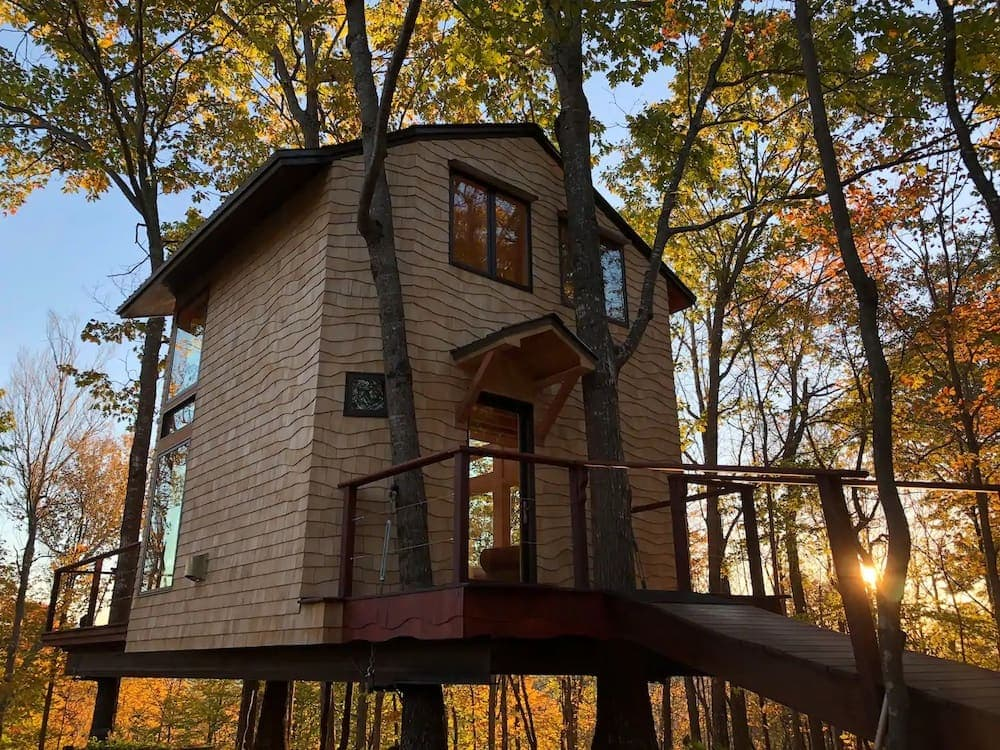 Ling Treehouse: Soul's Retreat New Hampshire