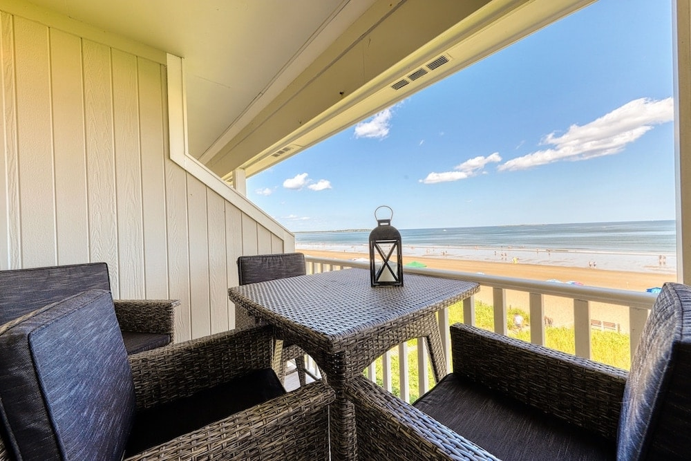 Beautiful condo by the sea old orchard beach