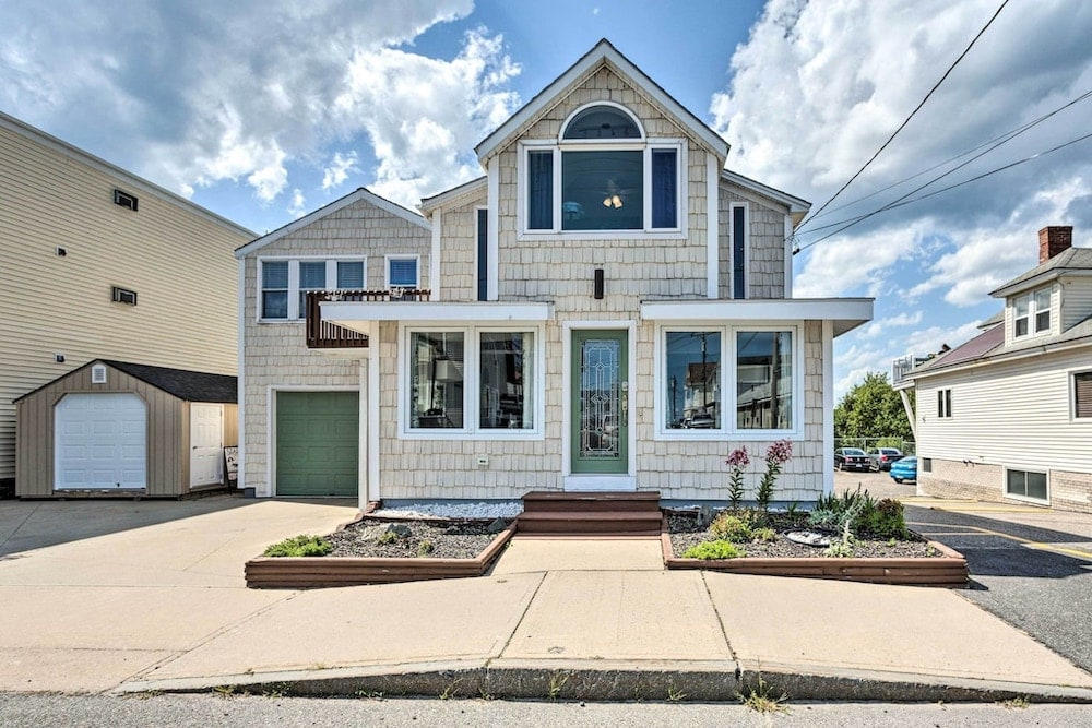 Bright and airy seaside cottage old orchard beach