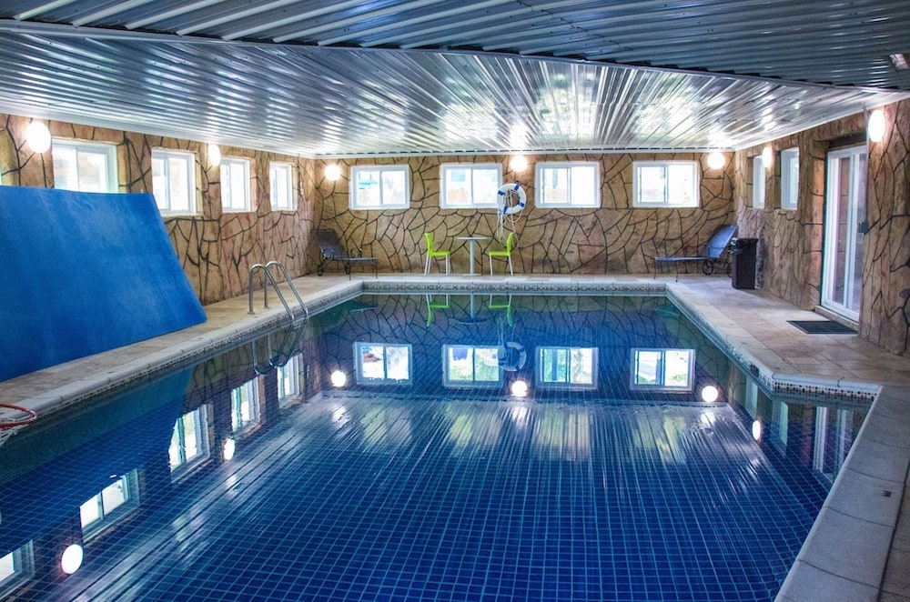 Luxurious Home indoor pools