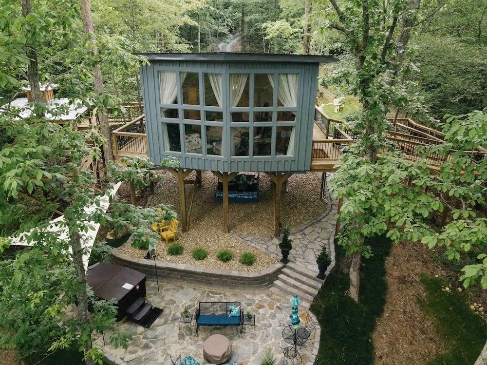 Sulfur Ridge Treehouse Tennessee