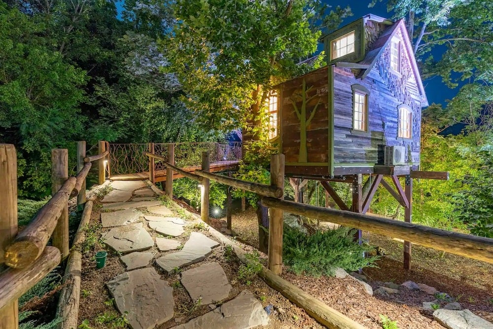 The Bostonian Tennessee treehouse