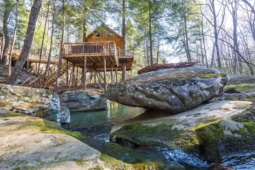 How Sweet the Sound Treehouse Tennessee