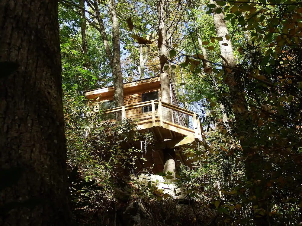 Tree House at Halo Hammocks Tennessee treehouse