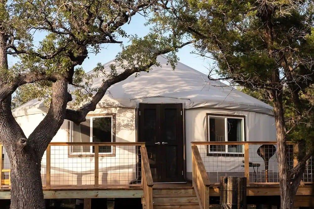 Luxury Eco Yurt at The Cedars Ranch texas