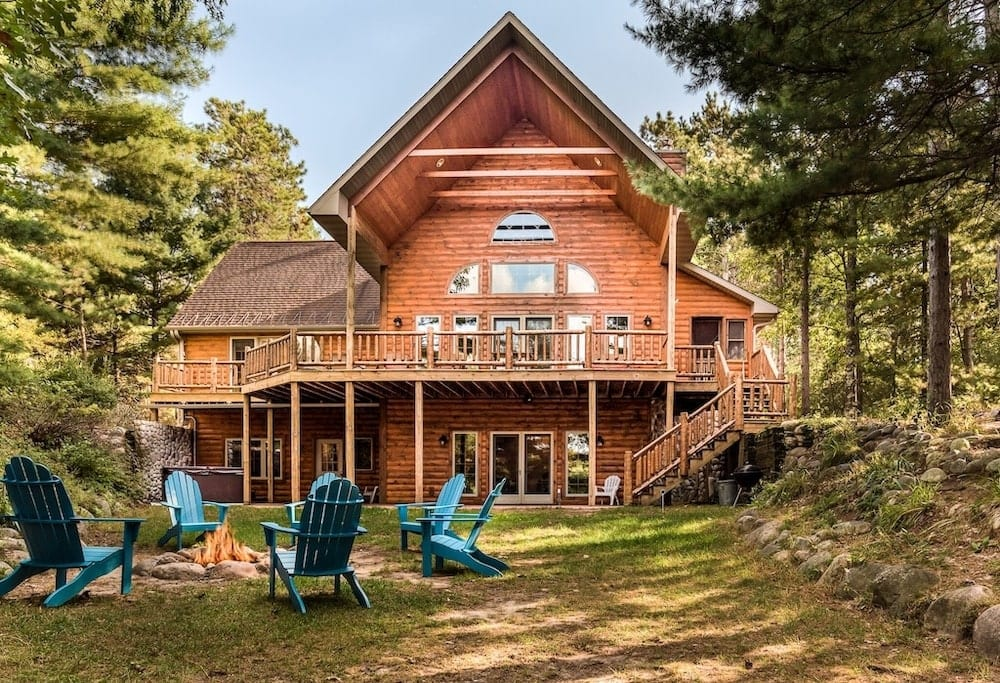 Lakefront Log Cabin Wisconsin