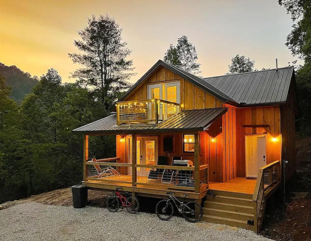 The Rocks Vista Cabin