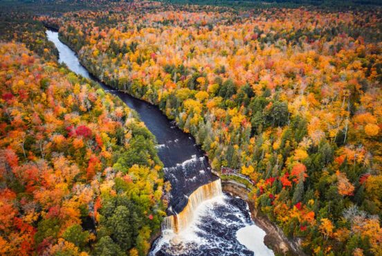 Best Places to See Fall Colors in Michigan