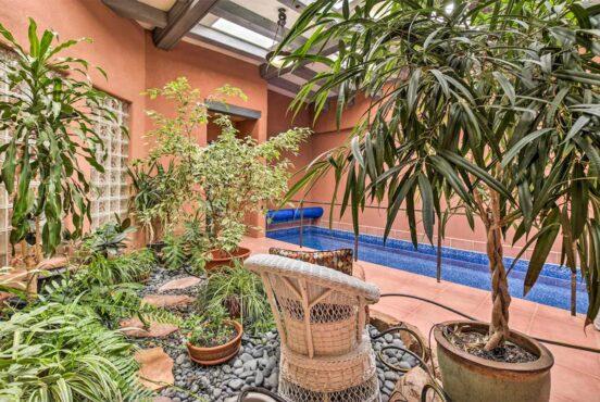 vacation rentals with indoor pools