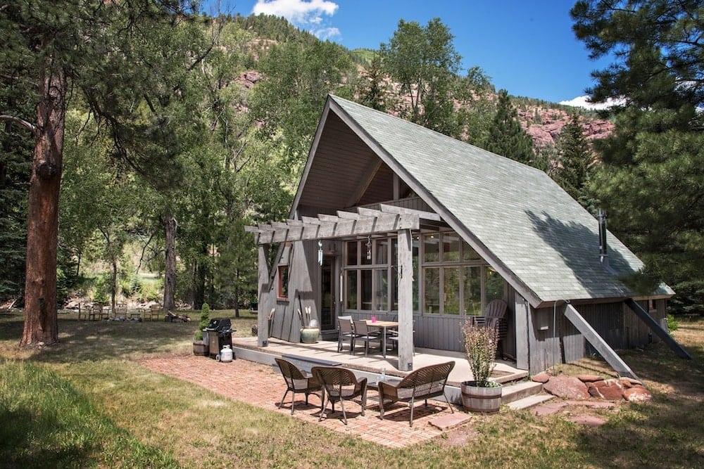 dog-friendly colorado cabins